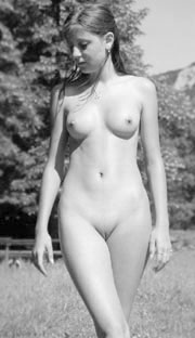 Simple Nudes - Pretty Girls Nude Beautiful Women Simple Tasteful Nudes ...